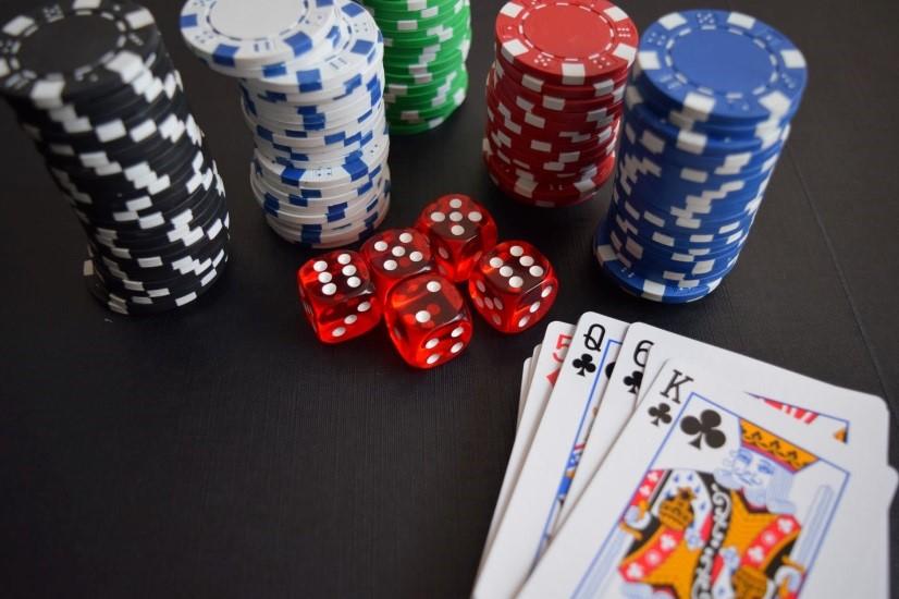 เล่นเกมคาสิโนออนไลน์ บาคาร่า สล็อต SA Gaming ได้เงินฟรี